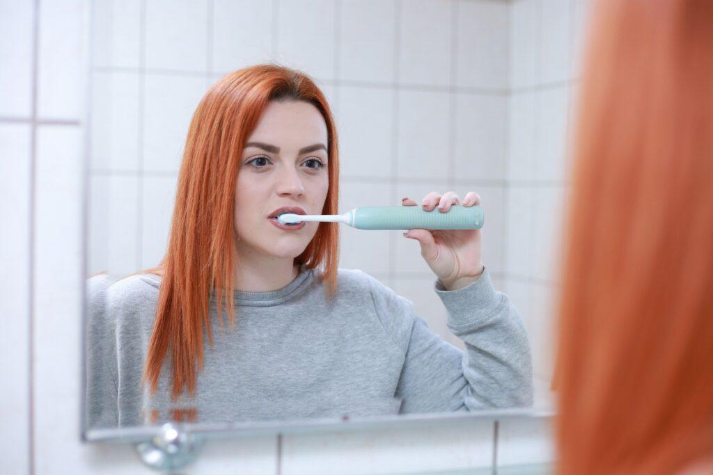 Πως να βουρτσίζετε σωστά τα δόντια σας
