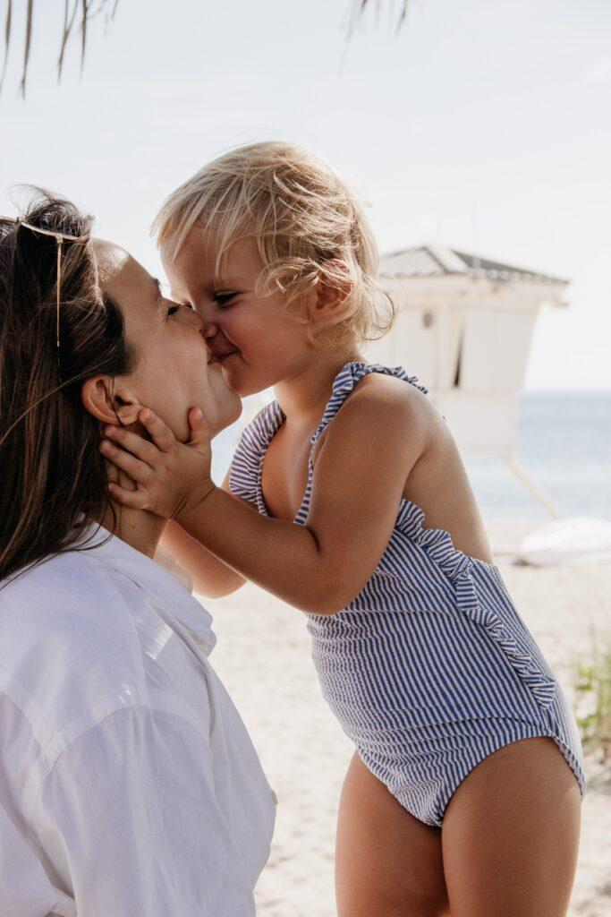 3 καλοκαιρινές συμβουλές για υγιή χαμόγελα για παιδιά